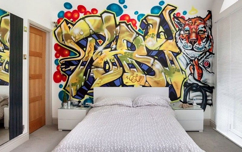 Фотообои граффити в спальне