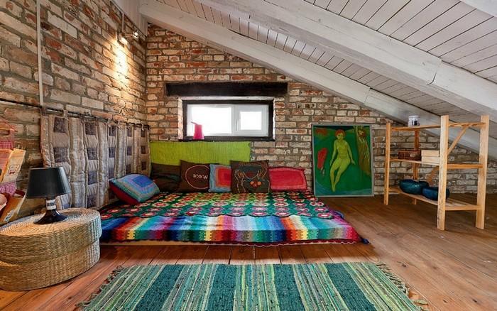Спальня в стиле лофт на мансарде фото