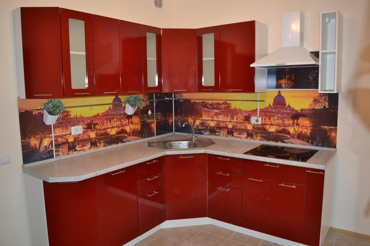 угловая кухня греция маленькая фото