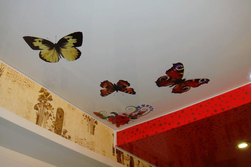 декор потолка с помощью трафаретов фото
