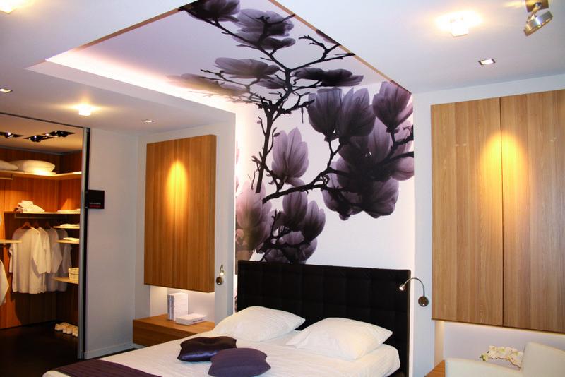 отделка стен натяжными потолками фото