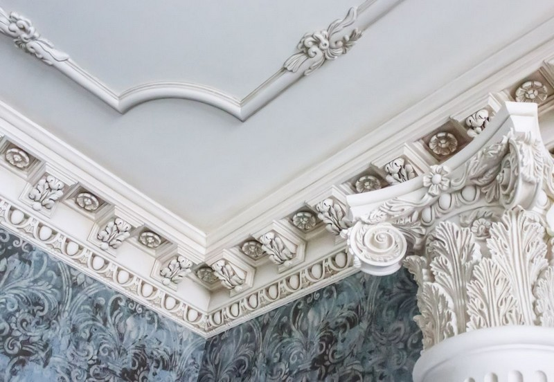 лепнина на потолке в интерьере фото