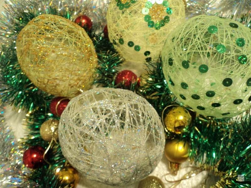 новогодняя гирлянда из шаров фото