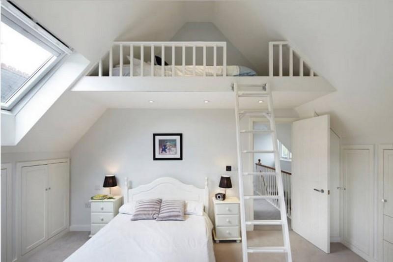 кровать чердак на мансарде фото