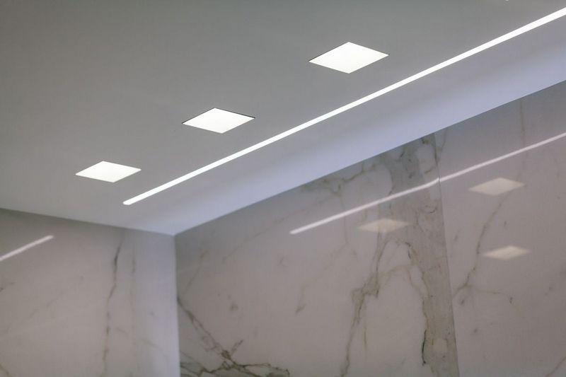 встраиваемые потолочные светильники фото