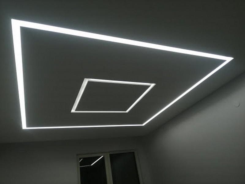 световые линии на потолке фото