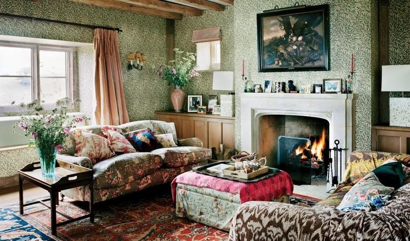 камин в гостиной в деревенском стиле фото