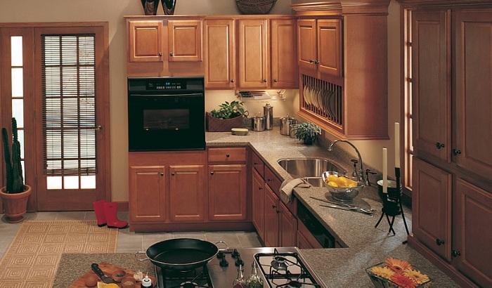 Кухонный дизайн – прелесть фактур из натурального дерева
