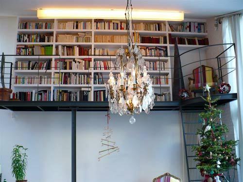 Библиотека под потолком – делаем хрущевку просторной