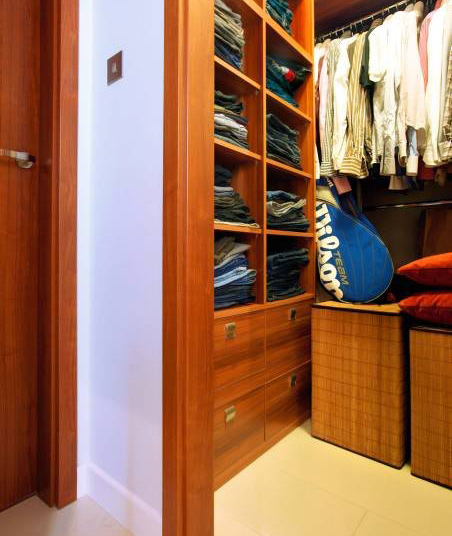 Увеличиваем объем прихожей при помощи шкафов-купе