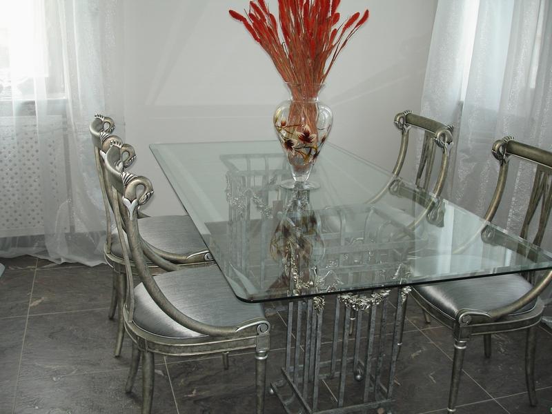Фото стеклянной мебели