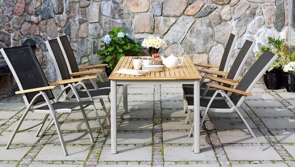 Садовая мебель из дерева и металла