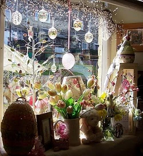 Пасхальные композиции на окнах