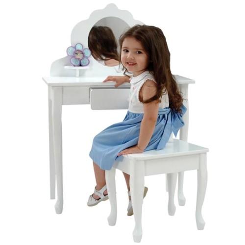 Туалетный столик для девочки