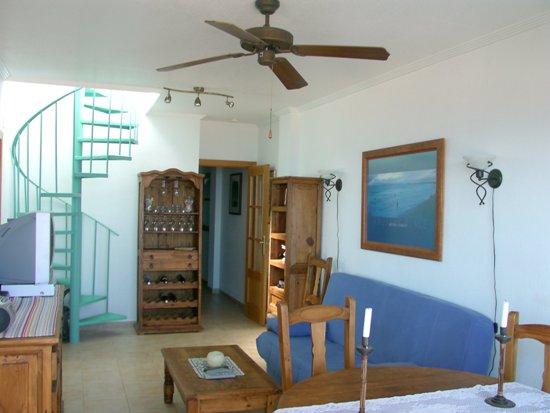 Кухонный уголок синий фото
