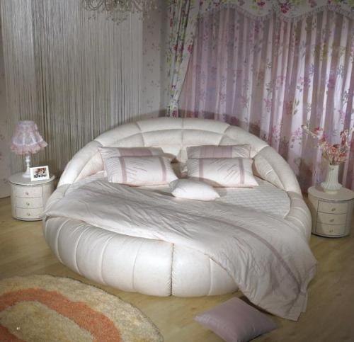 Круглые кожаные кровати