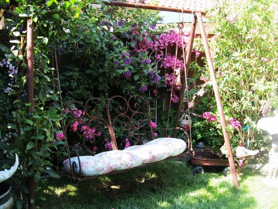Садовые качели металлические
