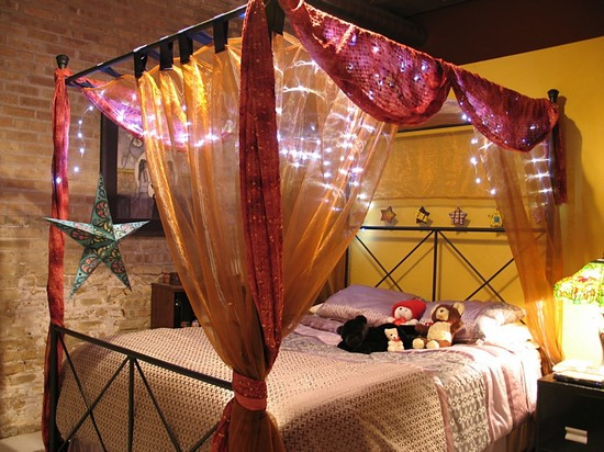 Балдахин из органзы для спальни