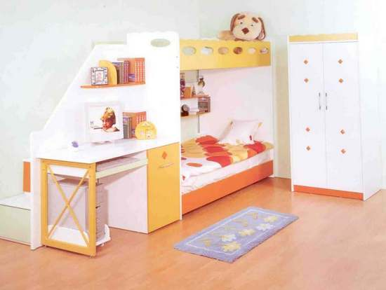 Двухъярусная кровать-чердак