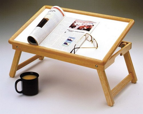 Универсальный столик в постель