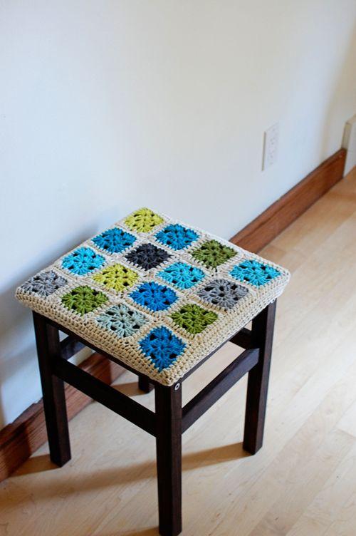 Вязаные коврики на табурет