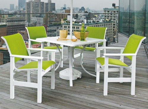 Пластиковая мебель для балкона или лоджии