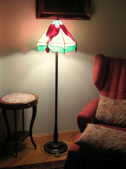 Напольные витражные светильники