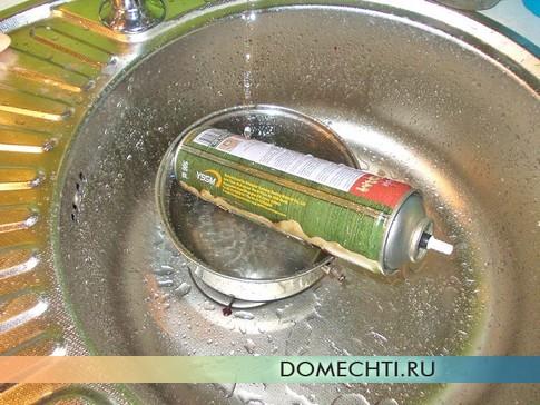 Как утеплить стальную ванну монтажной пеной