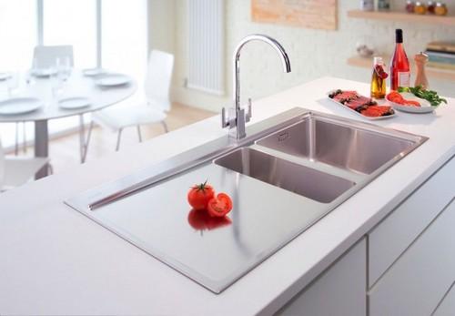 Смесители для кухни в интерьере