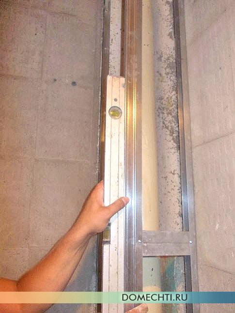 Как спрятать стояки горячей и холодной воды в квартире