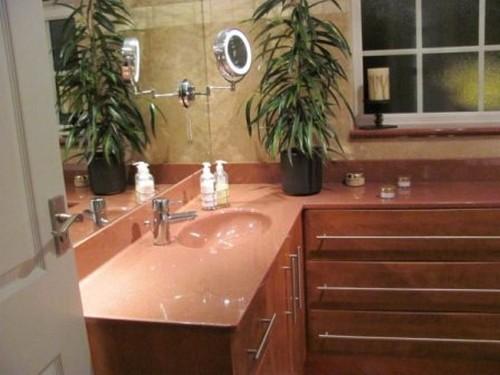 Столешница в ванной из литьевого мрамора