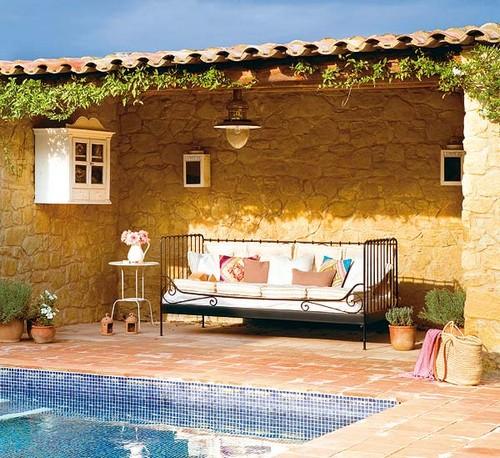 Удобная садовая мебель для террасы