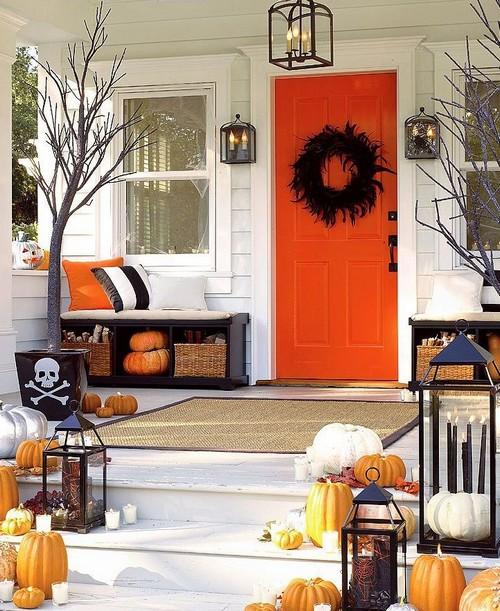 Оригинальное украшение дома на Хэллоуин фото