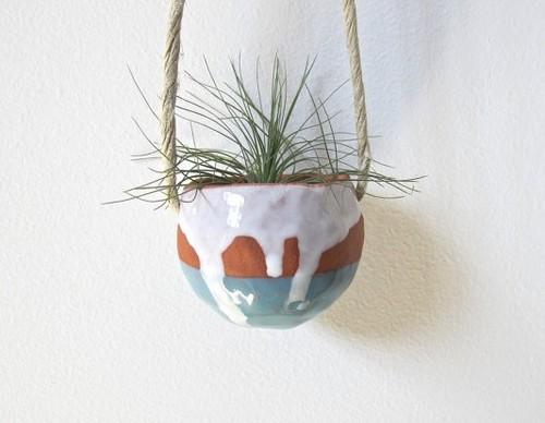 Настенные керамические кашпо для цветов