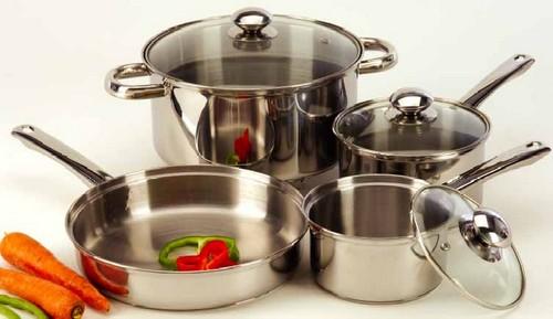 Кухонная утварь - кастрюли из нержавеющей стали