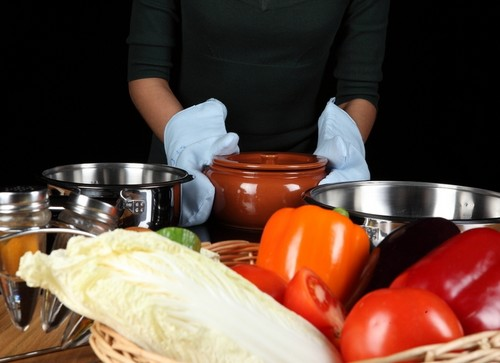 Кухонная утварь - кастрюли и формы для выпечки
