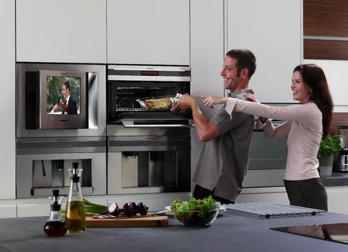 Встраиваемый телевизор для кухни Electrolux
