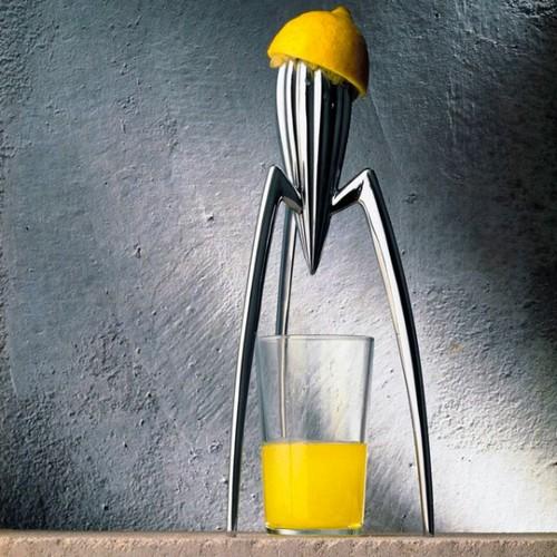 Ручная соковыжималка с оригинальным дизайном для цитрусовых