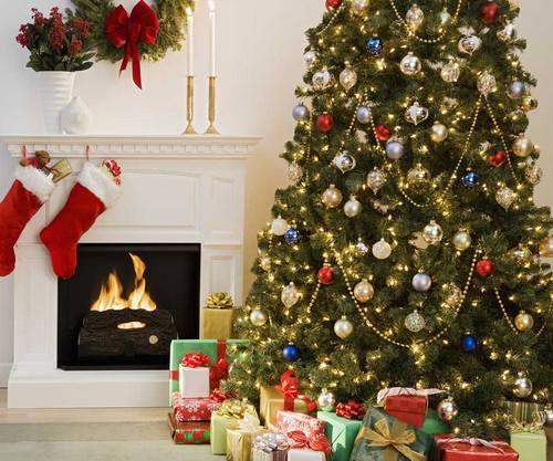 Картинки по запросу красиво украшенная елка
