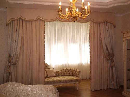 шторы для спальни с ламбрекеном