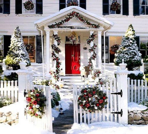 Украшение двора к Новому году фото