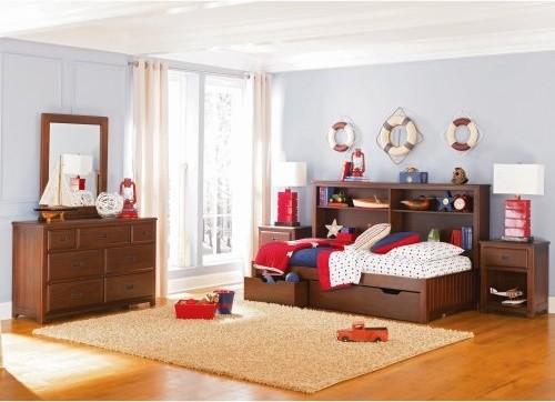 Детская кровать с ящиками и полками