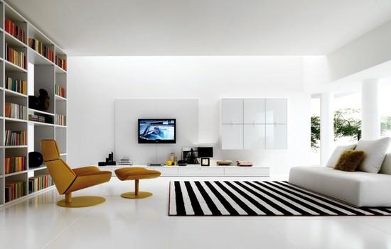 Черно-белый полосатый ковер в интерьере гостиной фото