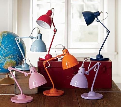 Какую настольную лампу выбрать для школьника