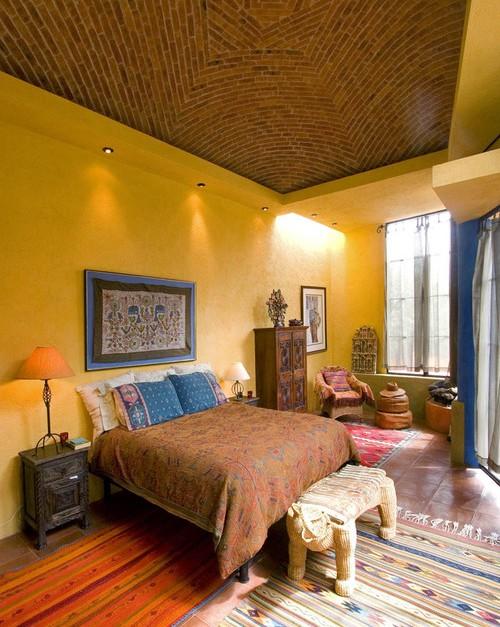 Текстильное панно на стену для спальни