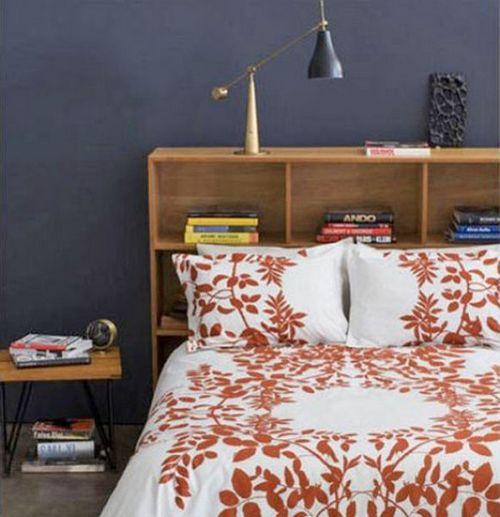 Кровати двуспальные с полками в изголовье