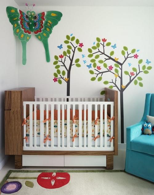 Бабочки в интерьере детской комнаты новорожденного