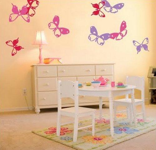 Украшение стен в детской бабочками