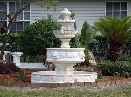 Садовые фонтаны у дома фото