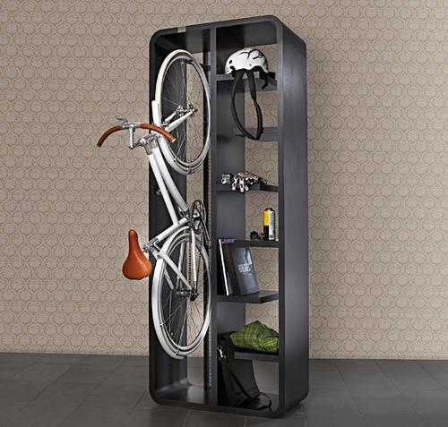 Шкаф с креплением для велосипеда